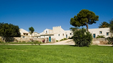 Ideal venue for a family vacation in Sicily or how about a wedding in your own private chapel?