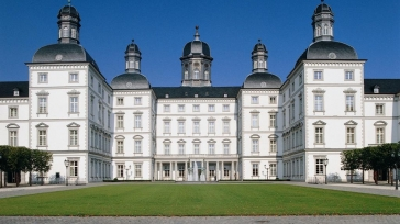Romantic luxury 5-star hotel Grandhotel Schloss Bensberg: top experience in Cologne