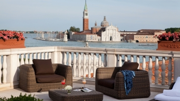For lovers looking for luxury: San Giorgio Terrace Suite in Venice