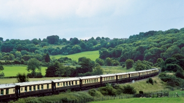 A luxury train ride experience: enjoy the British scenery in a palace on wheels