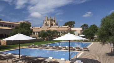 A luxury beach hotel in Mallorca – Spain : Hilton Sa Torre Mallorca