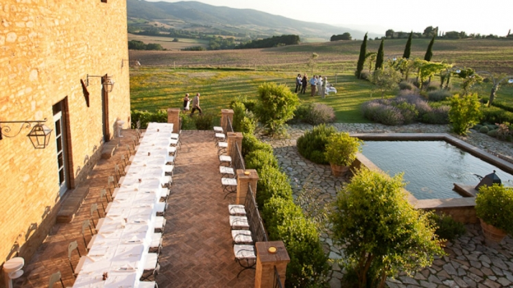 Hire an exclusive villa in Tuscany – Borgo Finocchieto